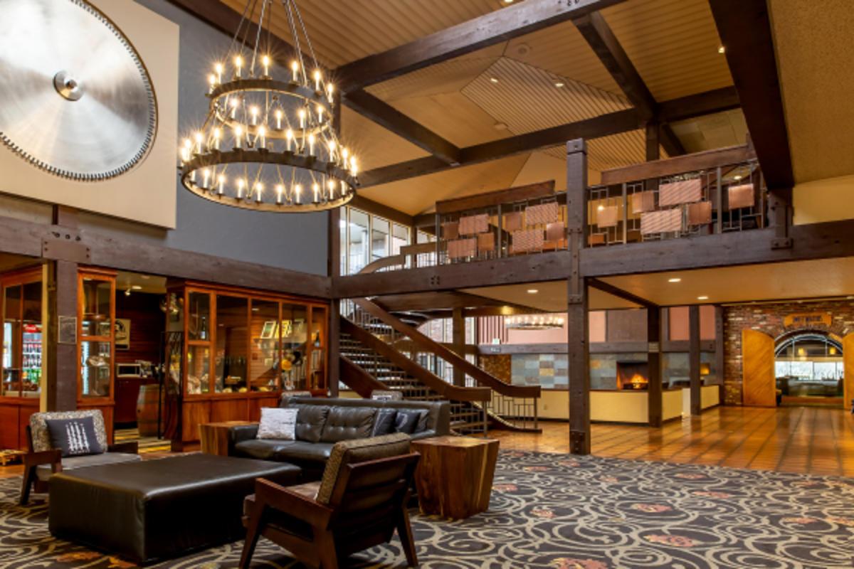 Valley River Inn Lobby