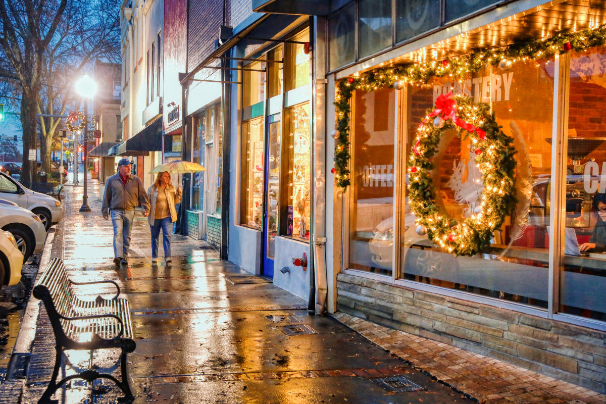 Downtown Milledgeville at Christmas Holidays