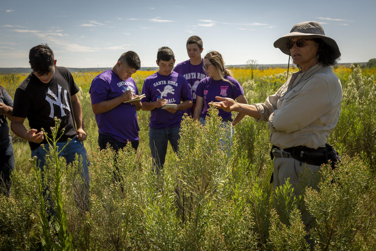 Daniela Roth discusses conservation work with Santa Rosa High School students, Santa Rosa, New Mexico Magazine