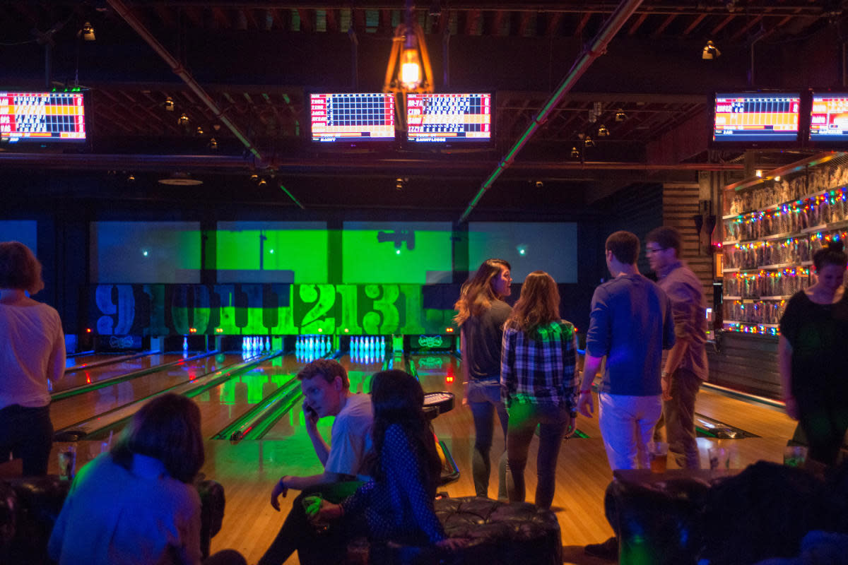 brooklyn bowl, interior