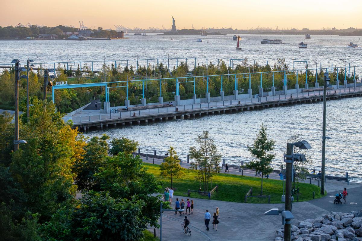 Brooklyn-Bridge-Park-Brooklyn-NYC-Julienne-Schaer-002-copy