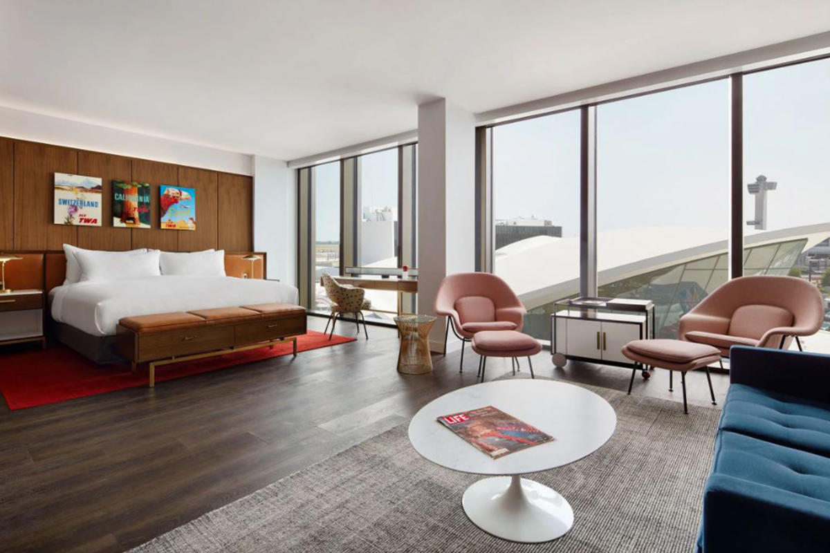 TWA-Hotel-Jamaica-Queens-NYC-Eero-Saarinen-Suite