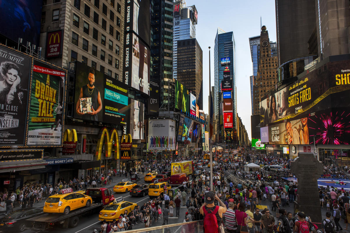 Times-Square_Manhattan-NYC-Brittany-Petronella_0069