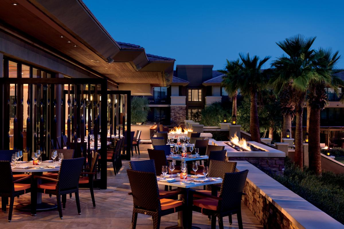 Ritz-Carlton, Rancho Mirage patio dining area