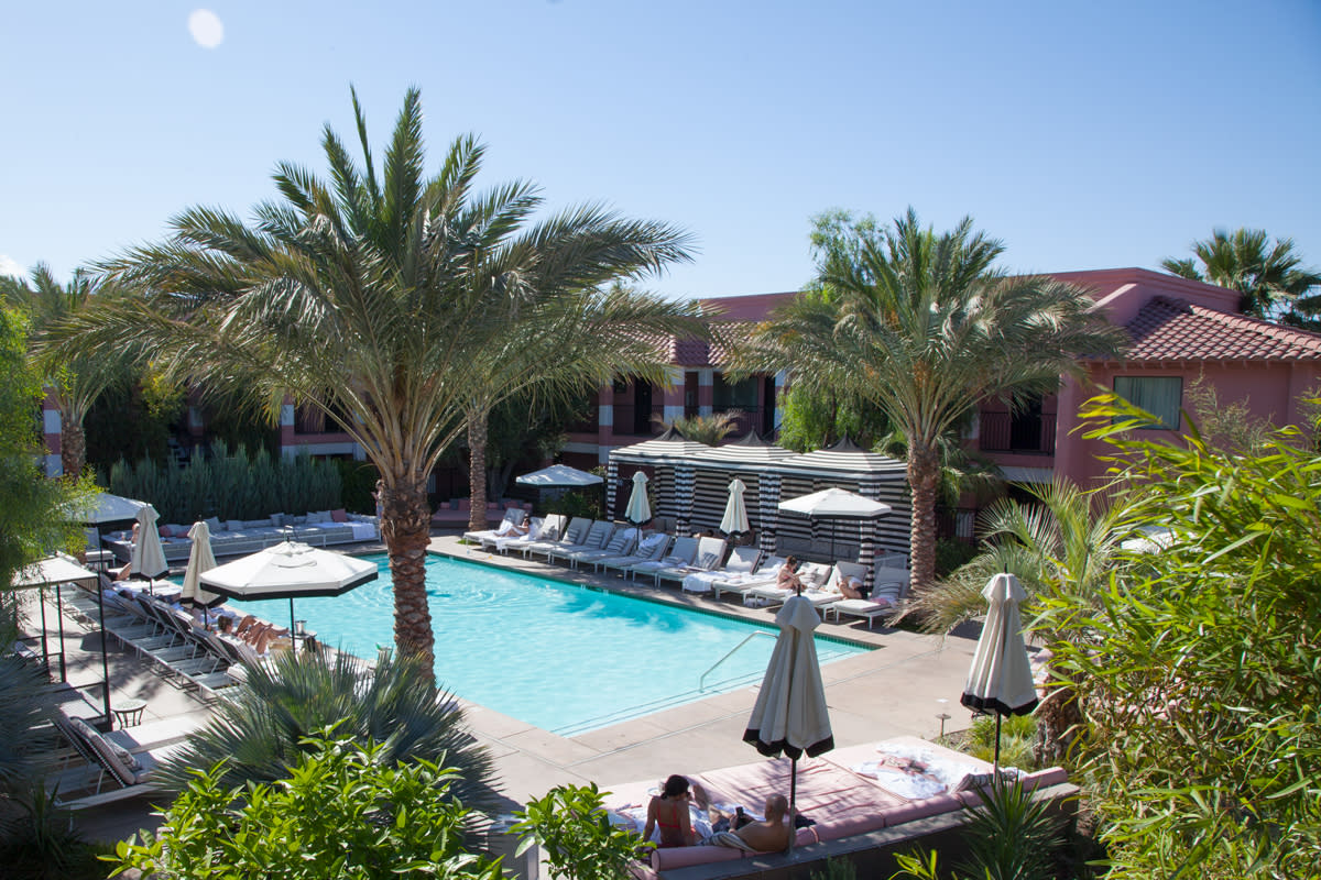 Sands Indian Wells pool