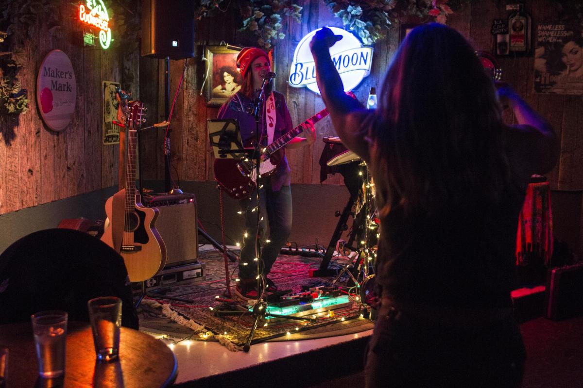 Live Music at The Hog Wallow Pub