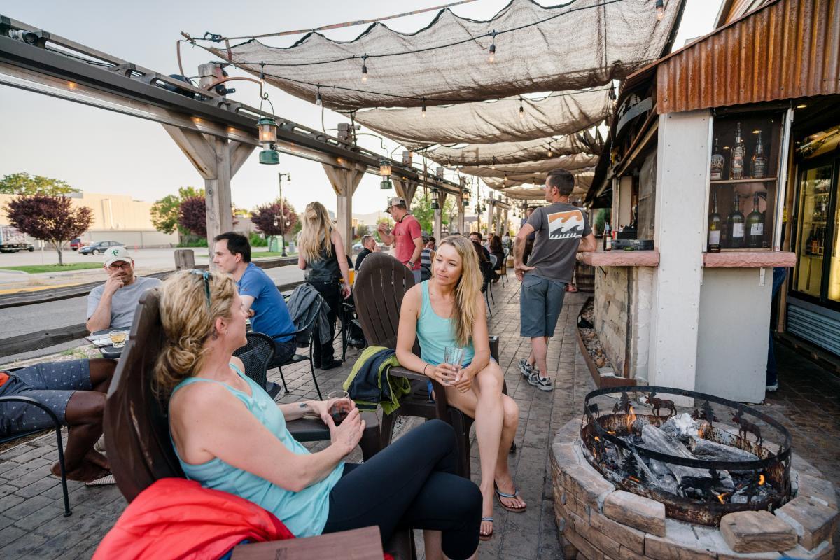 Campfire Lounge