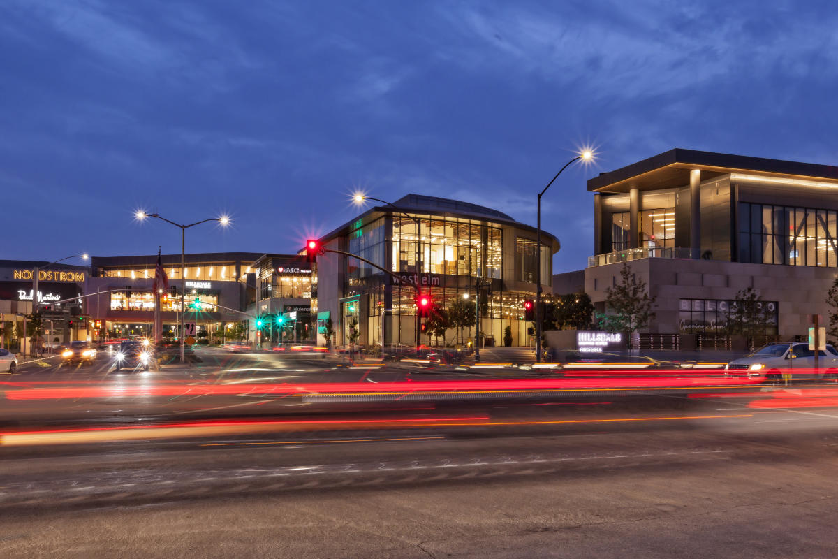 Street-View-of-Hillsdale-Shopping-Center-in-San-Mateo-County-Silicon-Valley