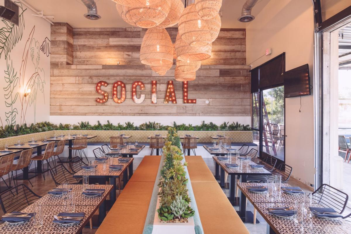 Social Restaurant in Huntington Beach