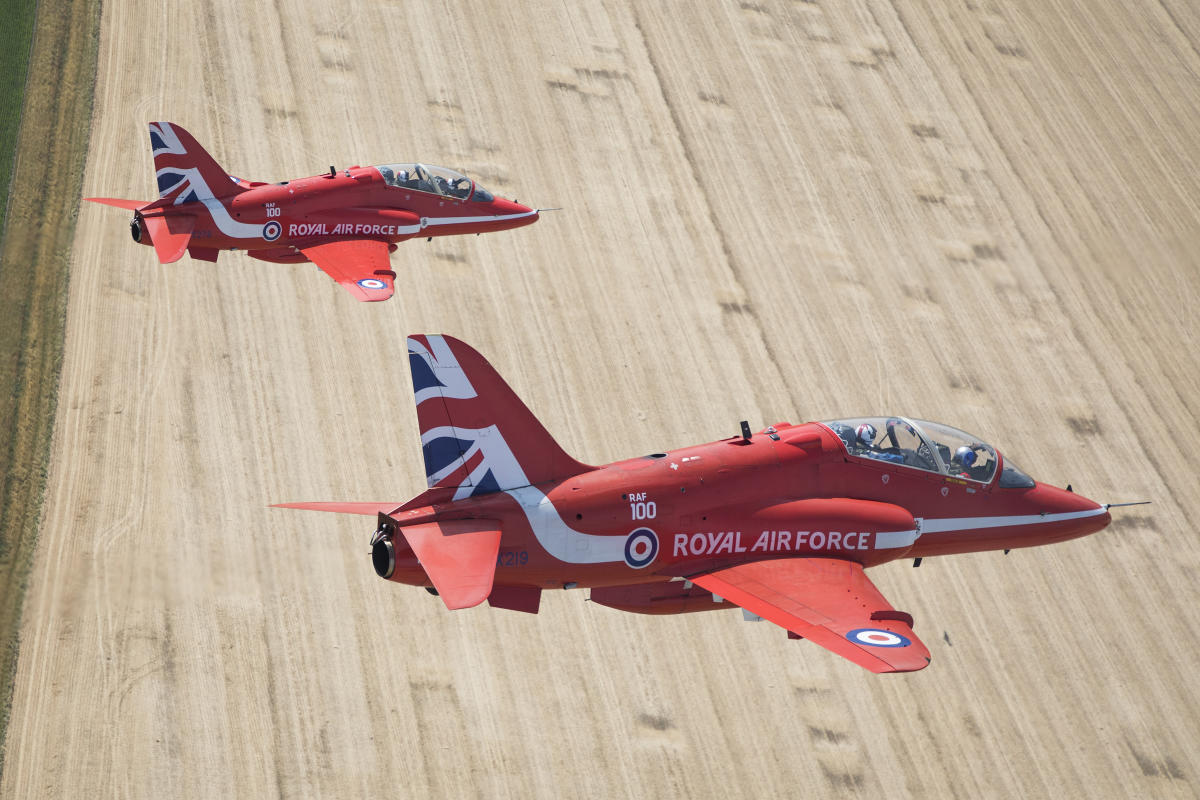 Red Arrows in The Great Pacific Airshow