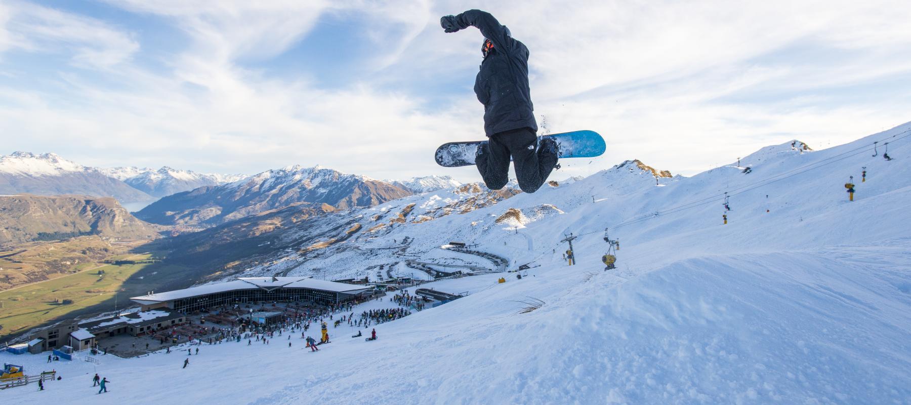 Coronet Peak Snowboarder tricks