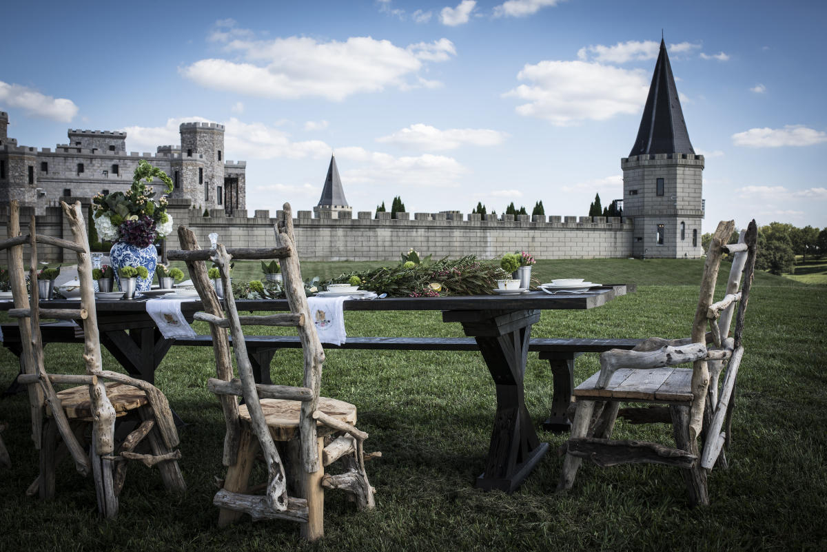 Table-Setup-at-The-Kentucky-Castle