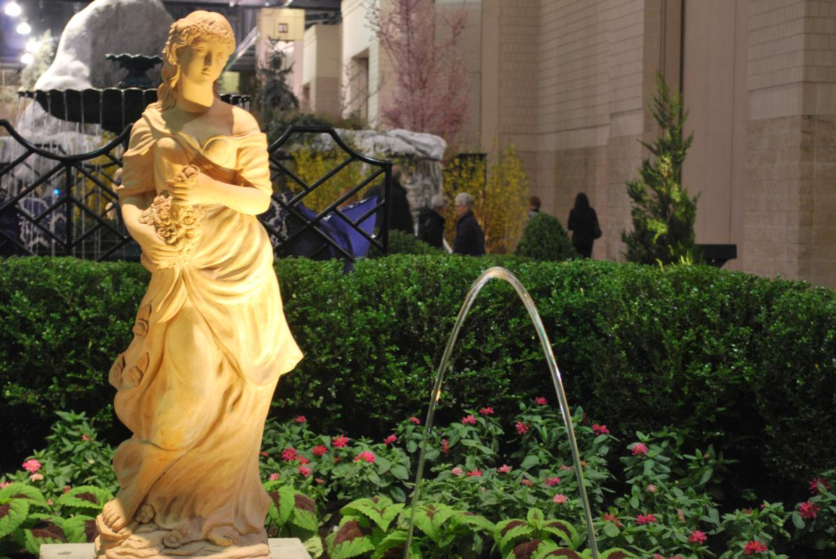 """The Burke Brothers' """"La Fontaine Elegance of Water"""" at the Philadelphia Flower Show"""