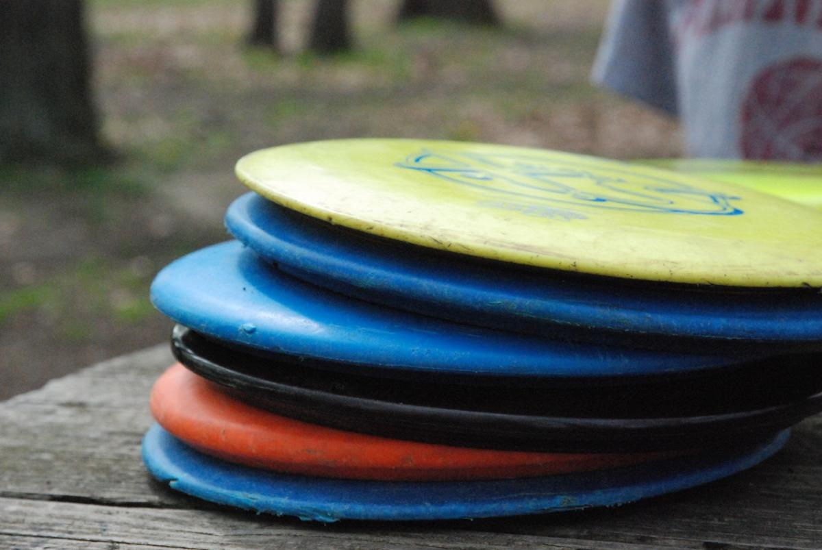 Stack of disc golf discs