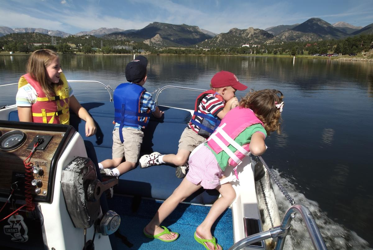 Lake Estes Family Boating