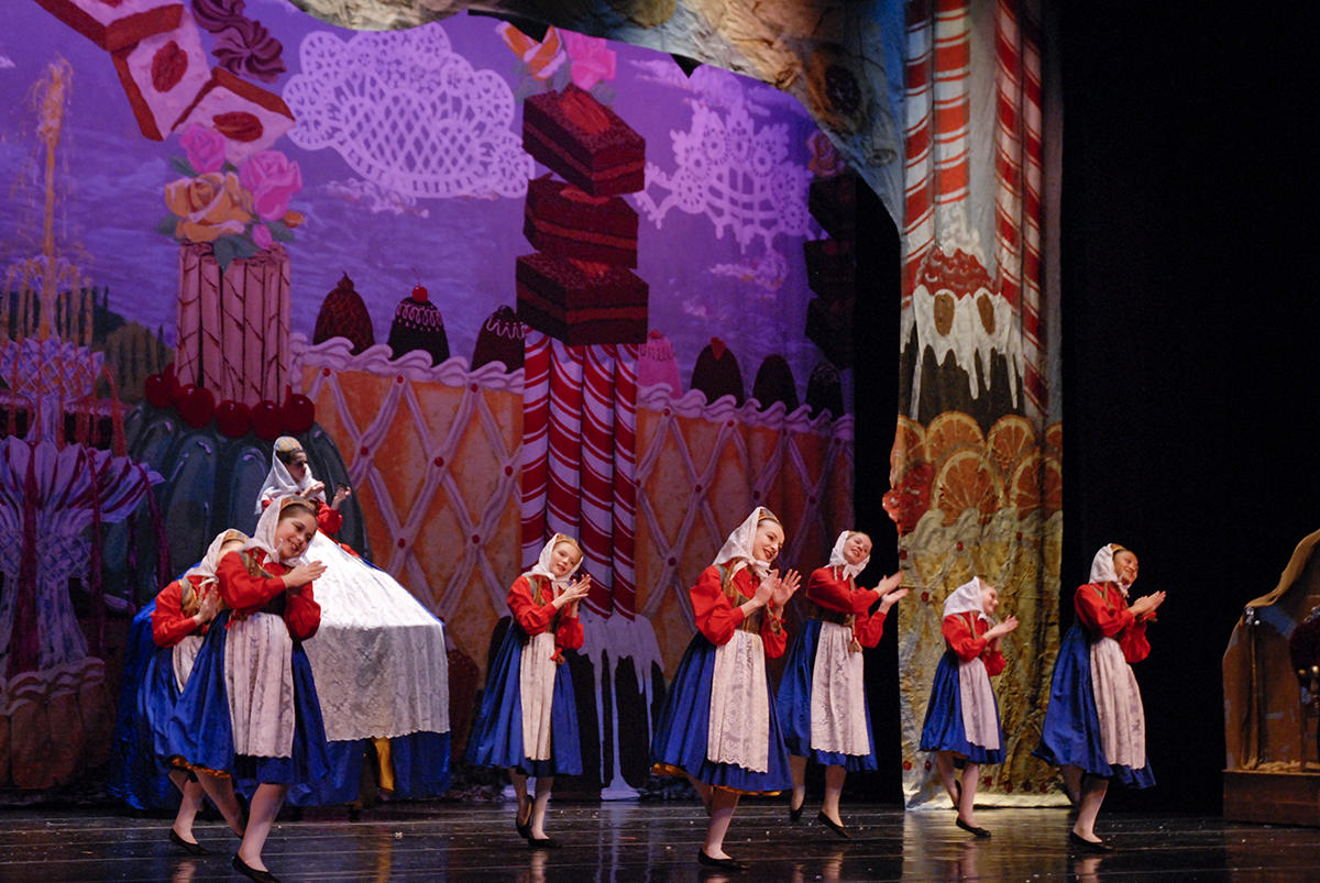 Fort Wayne Ballet Performing The Nutcracker