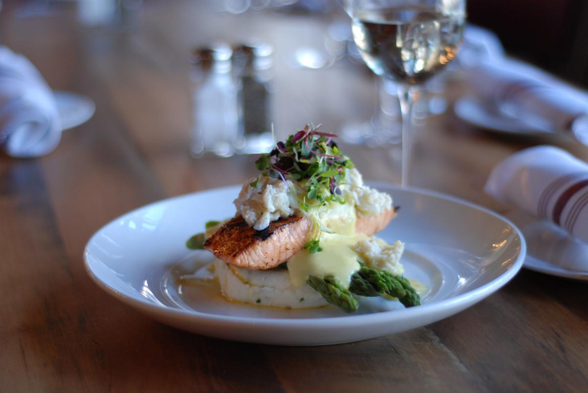 Carson's-Grilled-Salmon-Oscar-Style