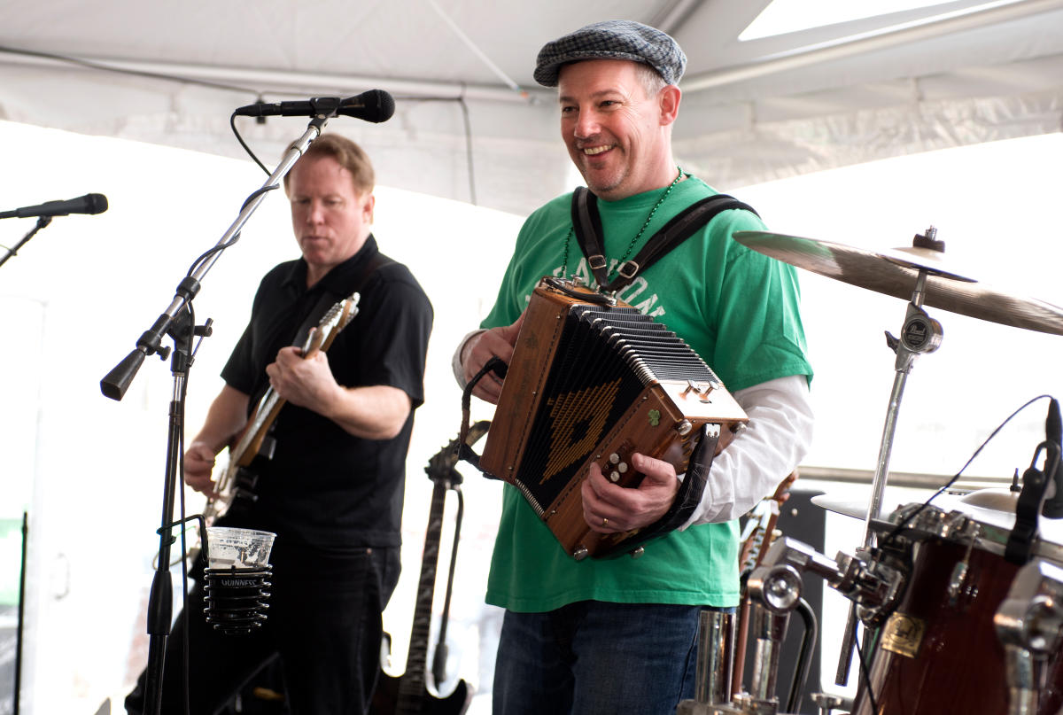 The greatest weekend of the year in Newtown is Green Parrot's Irish Festival with live entertainment!