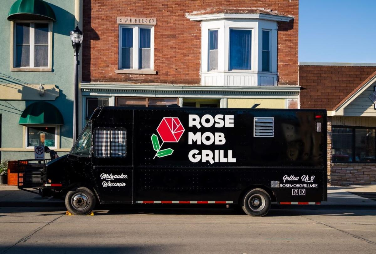 Rose Mob Grill