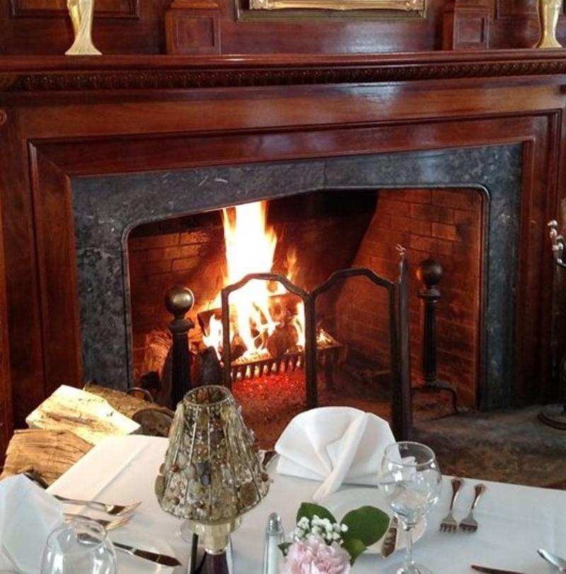 English Inn fireplace