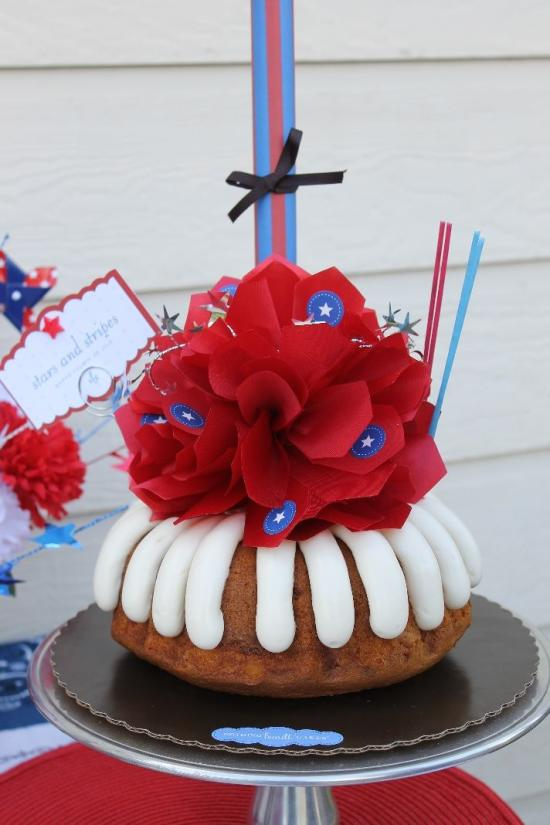 Nothing Bundt Cakes Forth of July Decor | Cupcake cakes, Cake, Summer food  party