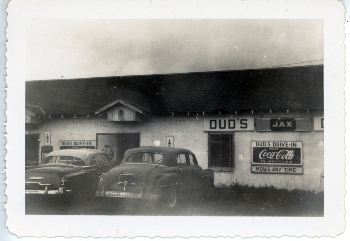 Dud's in Erath