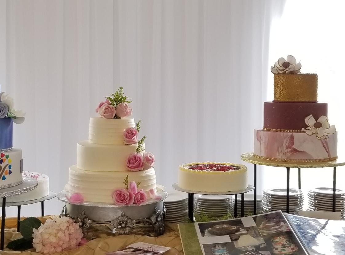 Cakes by Happy Eatery - Cake Display