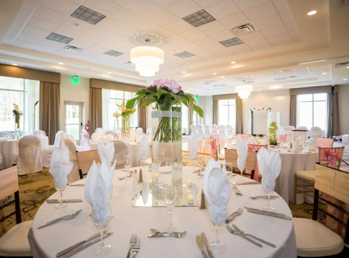 HILTON GARDEN INN WOODBRIDGE Wedding