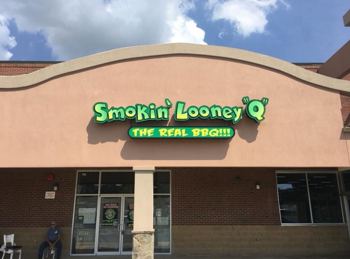 SMOKIN' LOONEY