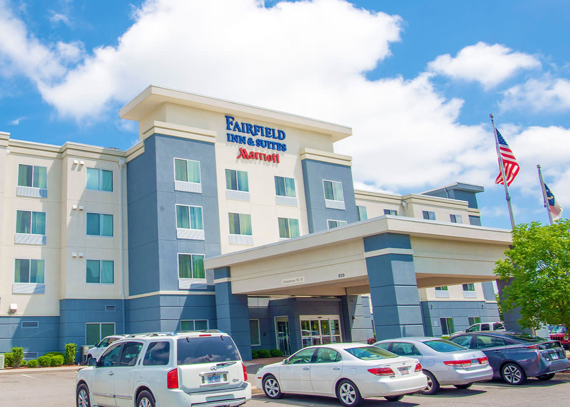 Fairfield Inn Smithfield located near Carolina Premium Outlets, Smithfield, NC.