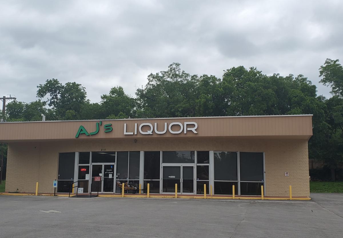AJ'S Liquor store front