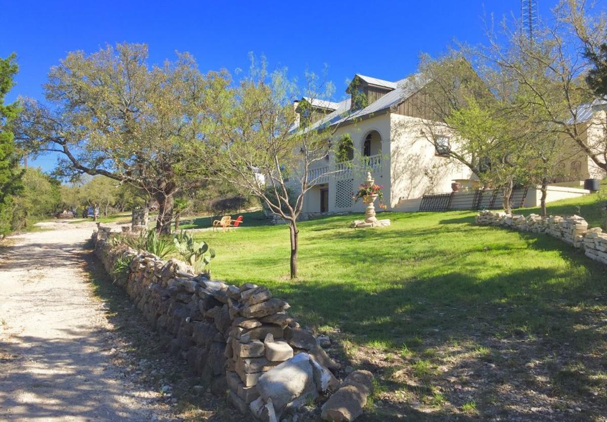 Ahh Vino Villa New