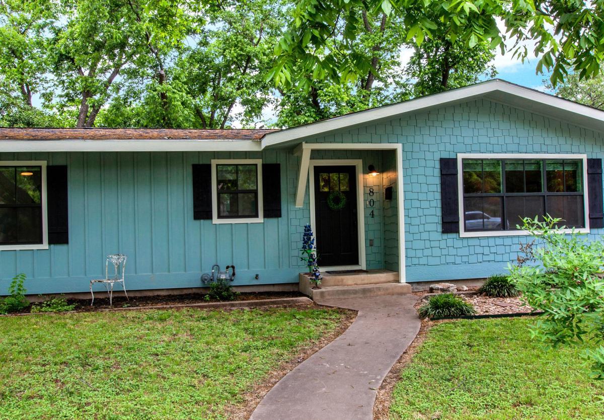 Bluebonnet Haus 2