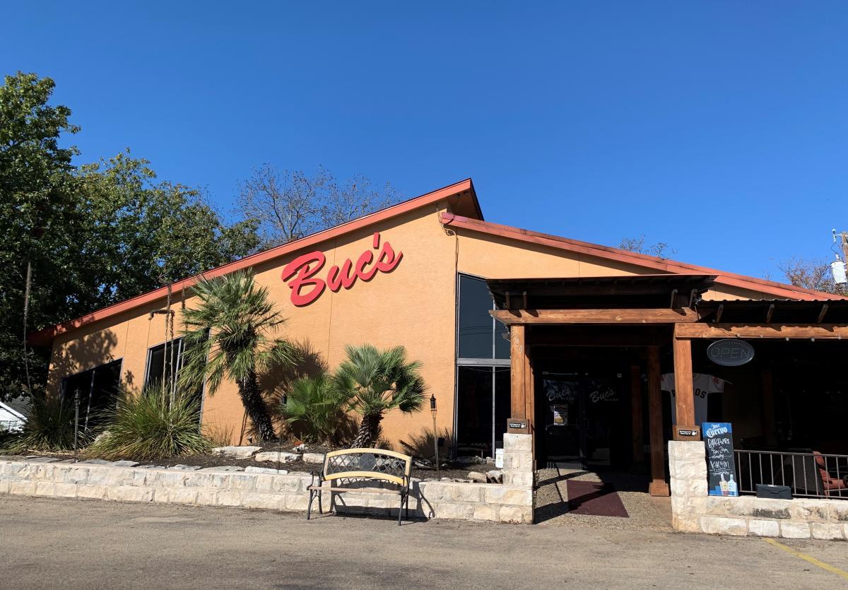 Buc's Bar & Grill