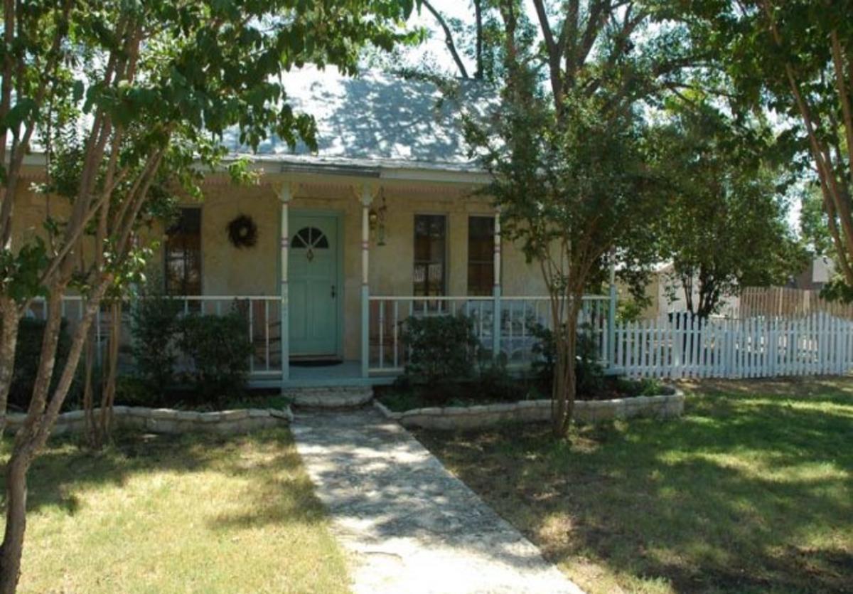 Crepe Myrtle Cottage