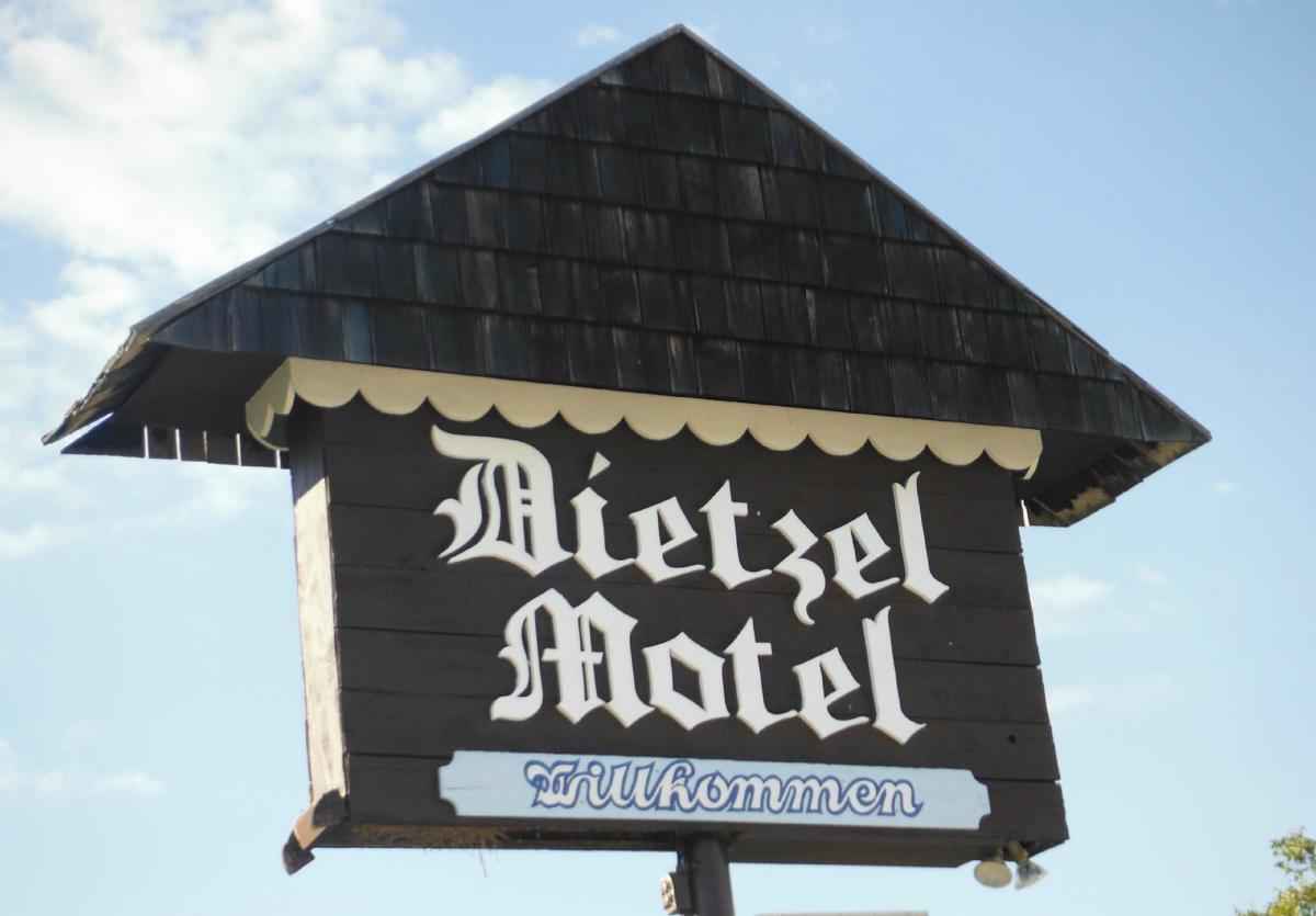 Dietzel Motel New
