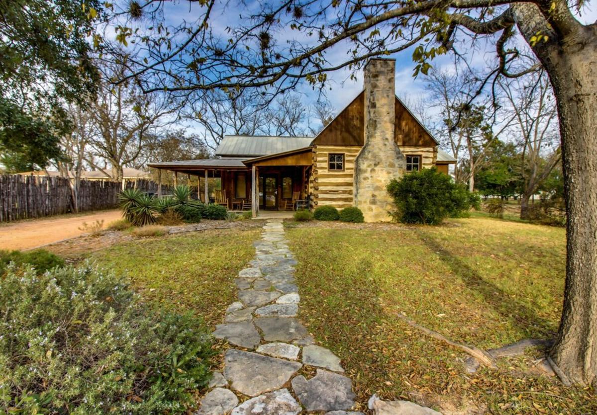 Katrina's Cabin New