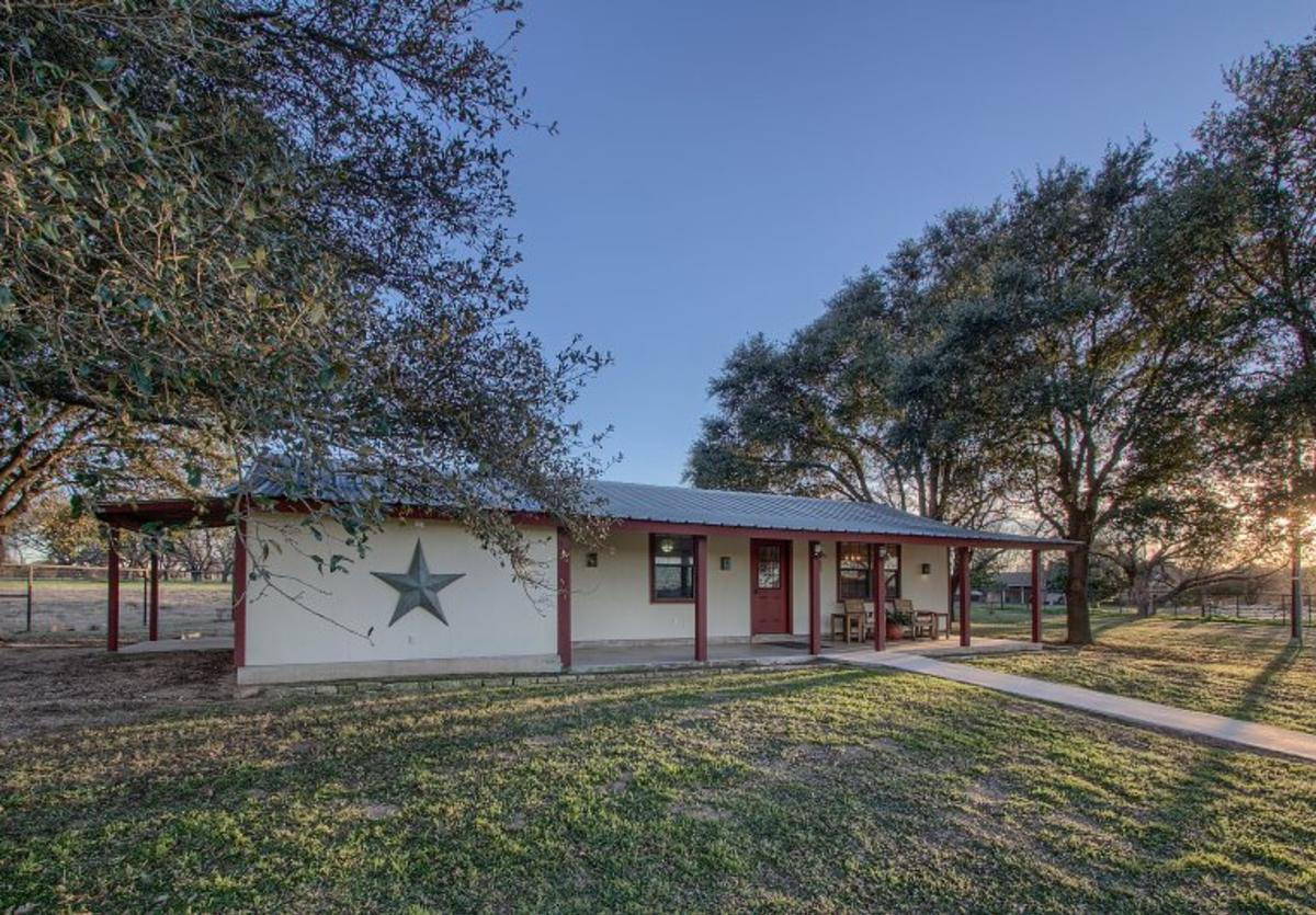 Lone Star Cottages
