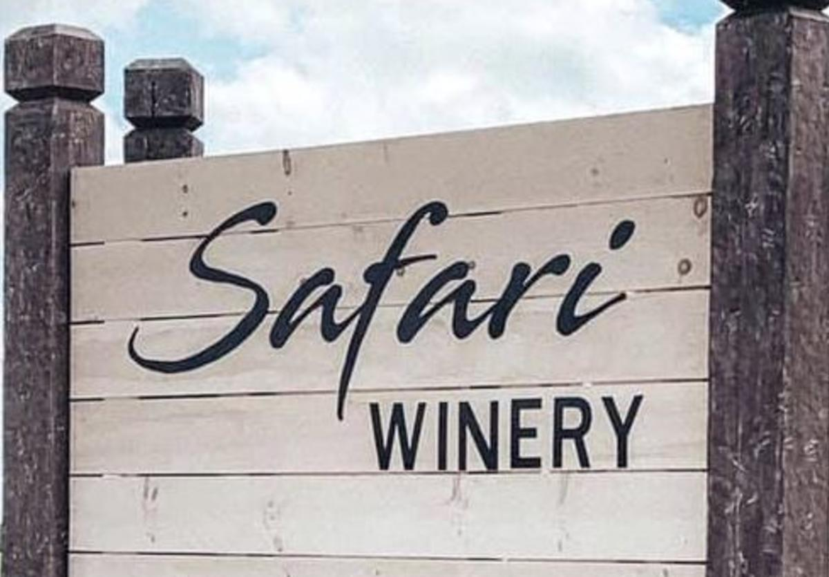 Safari Winery Sign