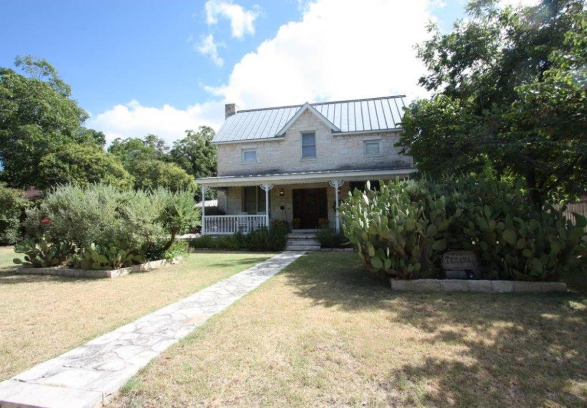 Texana Guest House New