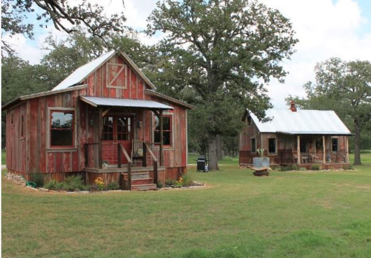The Cabins Out Back