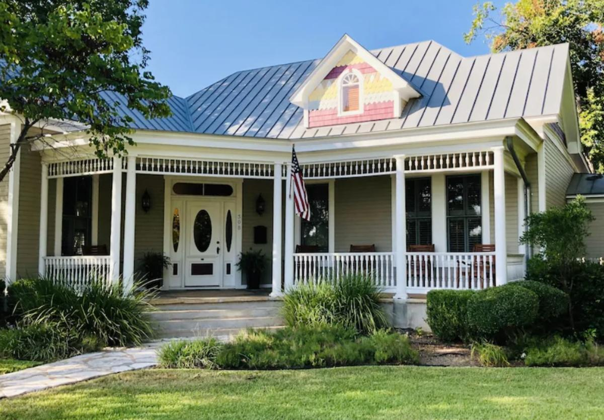 The Painted Lady Estate