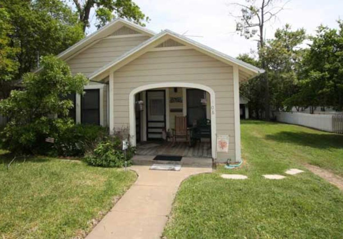 deannies cottage 1