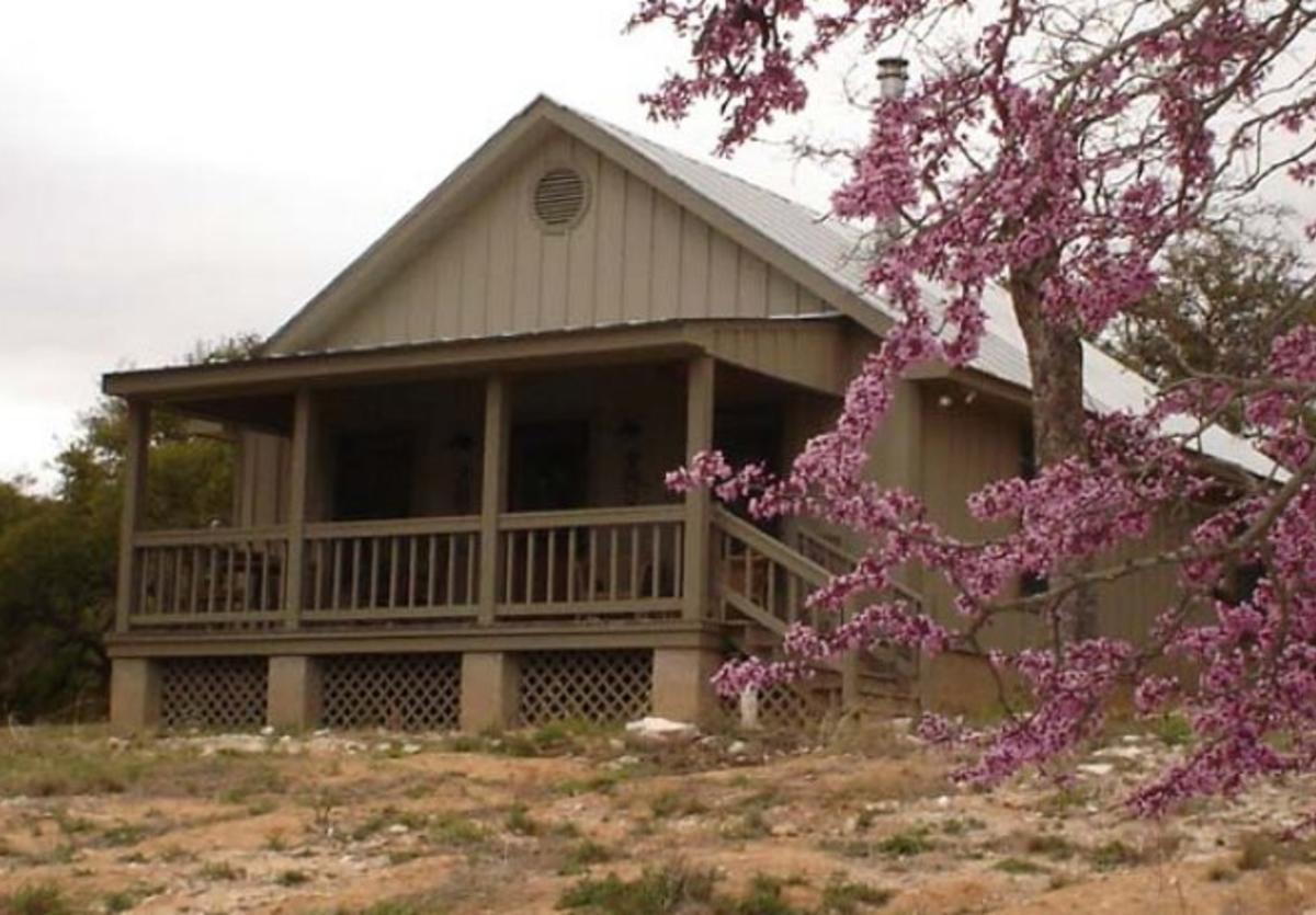 hillside cabin 1