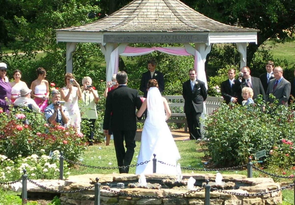 Gordon Moore Park wedding