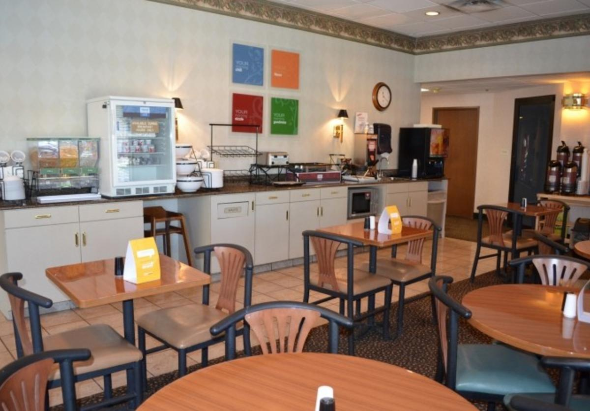 Comfort Inn Breakfast area