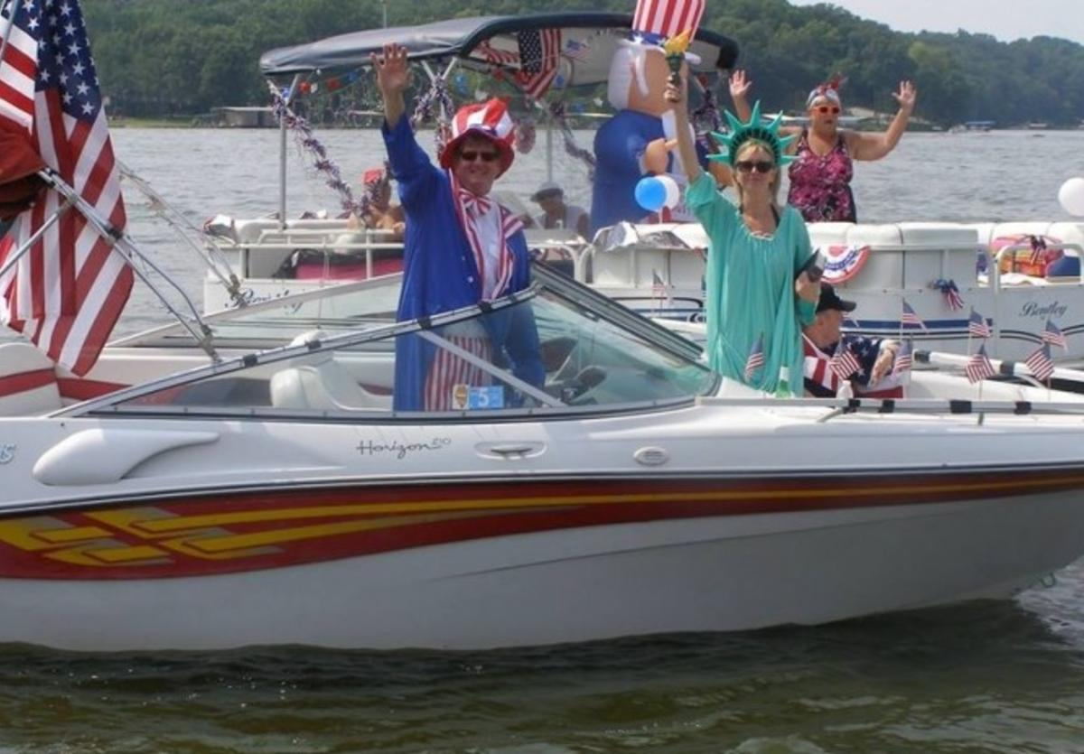 lake lou yaeger boat 4th july