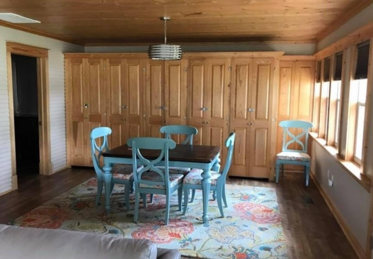 Cottage at Dagget Hollow Dining Room