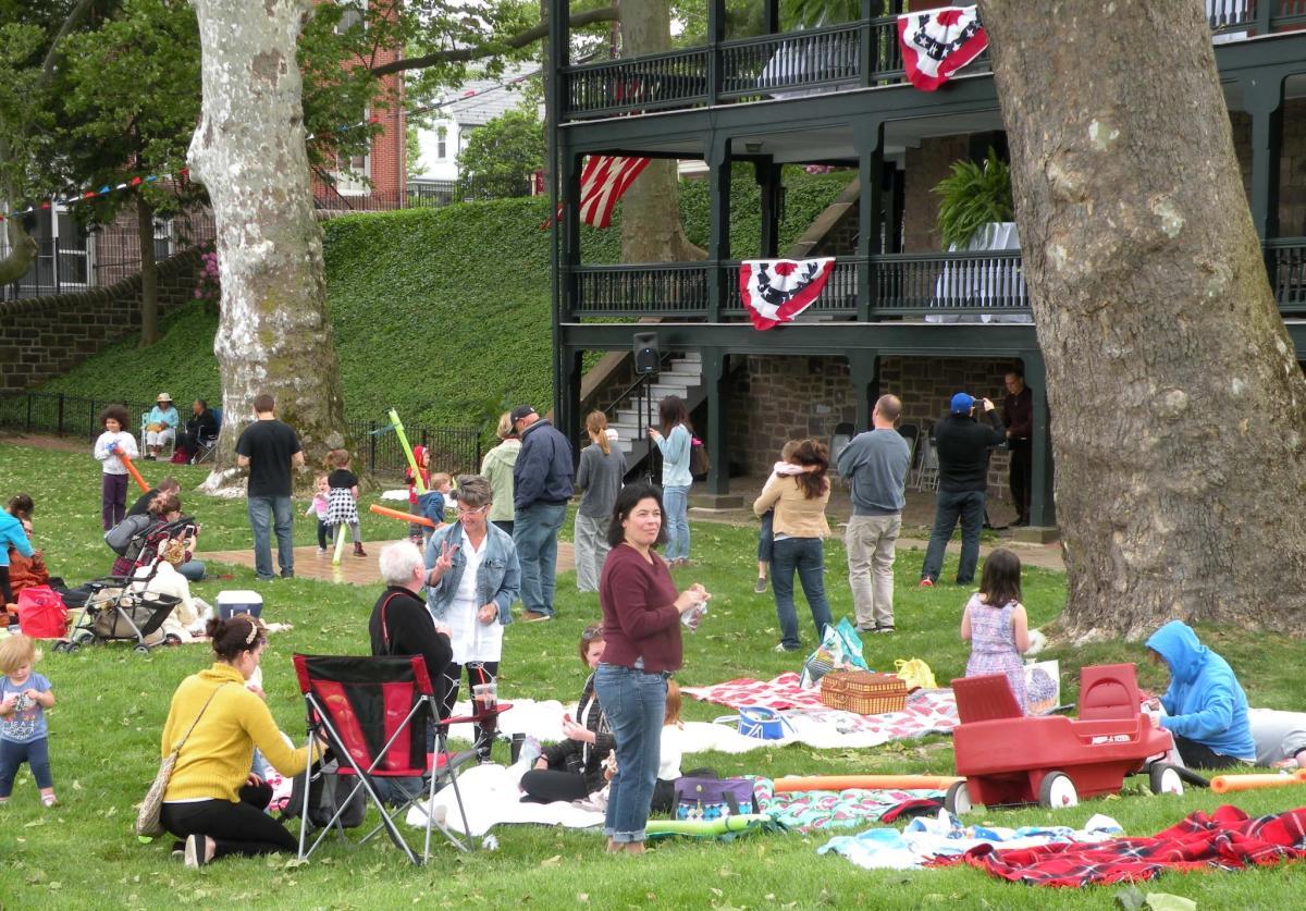 Grundy Museum picnic
