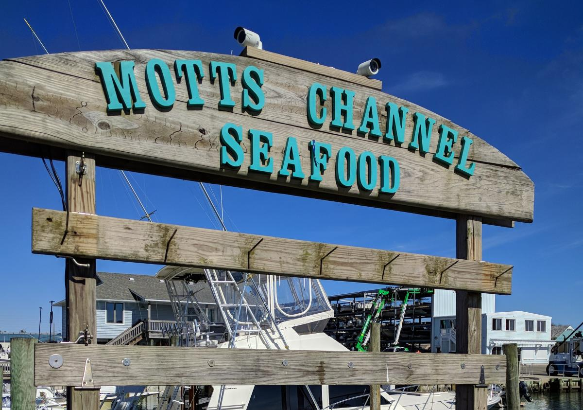 Motts Channel Seafood Sign